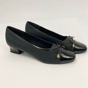 Soft Styles Hushpuppies Black Patent Loafers 8.5